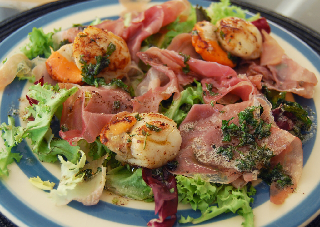 Seared Scallops with Prosciutto_edited-1