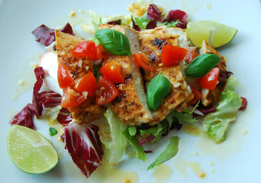 lime chicken salad with salsa
