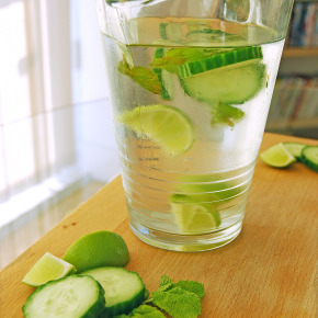 Cucumber, Lime & Mint-Flavoured Water