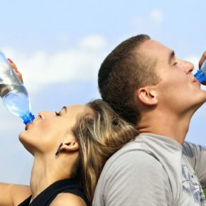 10 Signs That You Aren't Drinking Enough Water